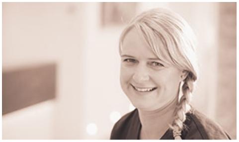 Mitarbeiterin der Zahnarztpraxis Dr. Kaiser & Kollegen in Sauerlach.